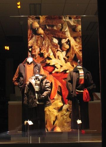 Vetrine autunnali idee decorazioni originali for Idee per aprire un negozio originale