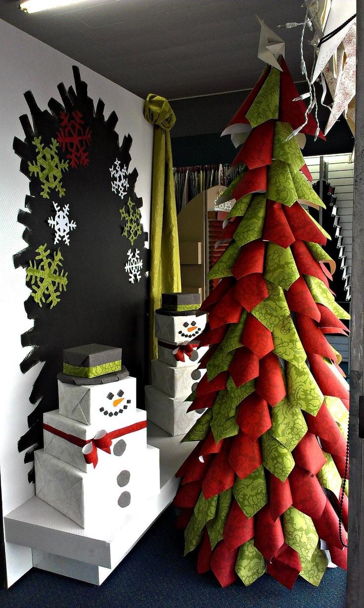Vetrine natalizie idee per farle in modo originale - Addobbi natalizi per la porta ...
