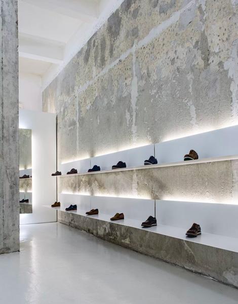 Come arredare un negozio di scarpe casi studio for Negozi arredamento