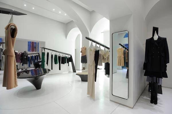 Idee per arredare un negozio di abbigliamento caso studio for Negozi di design