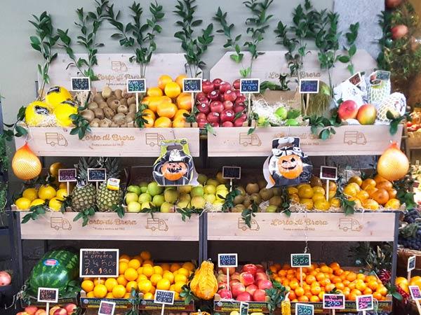 Idee per arredare un negozio di frutta e verdura cliento - Immagine di frutta e verdura ...