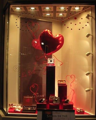 Allestimento-Vetrine-per-San-Valentino-articolo