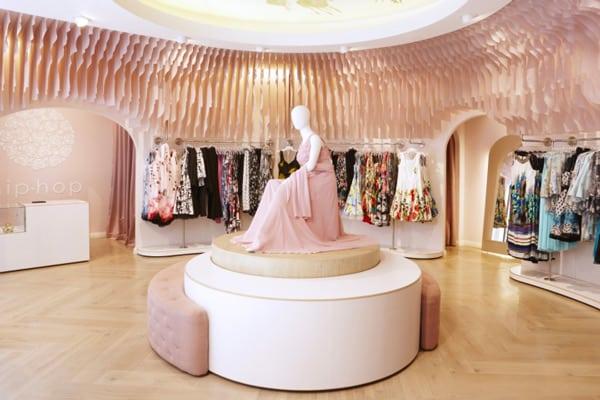 Idee per arredare un negozio di abbigliamento [caso studio]