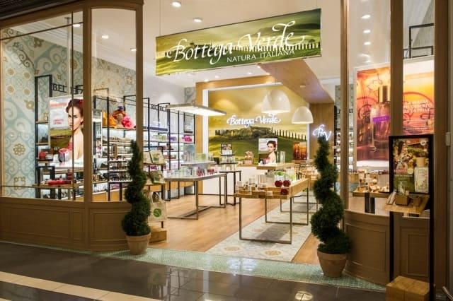 Bottega-Verde-decorazione-parete-negozio