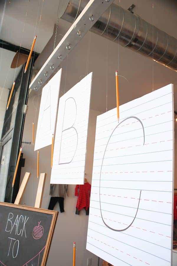 decorazioni-vetrina-per-la-scuola-e-back-to-school-di-MINI-MIOCHE