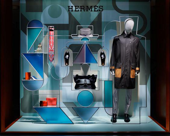 allestimento vetrine abbigliamento uomo Hermès