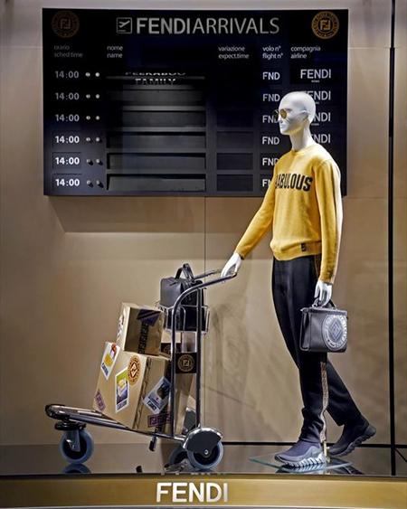 abbigliamento uomo vetrina in aeroporto
