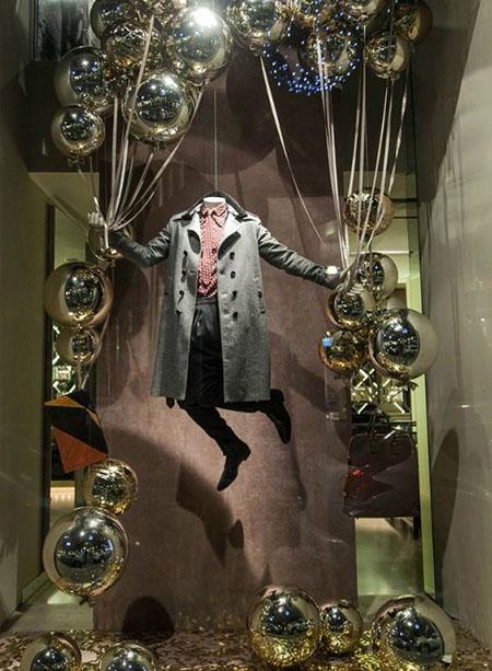 allestimento vetrina uomo tema Natale