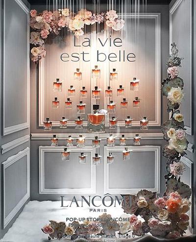 esempi di vetrine profumerie Lancôme
