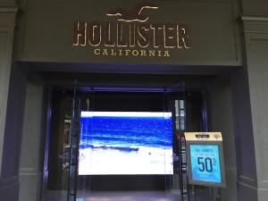 facciata negozio hollister