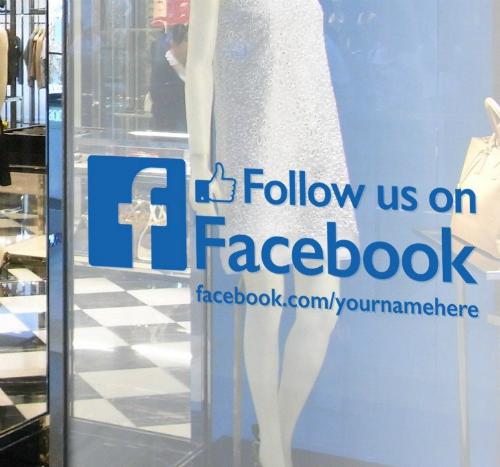 pagina Facebook di un negozio - vetrofania