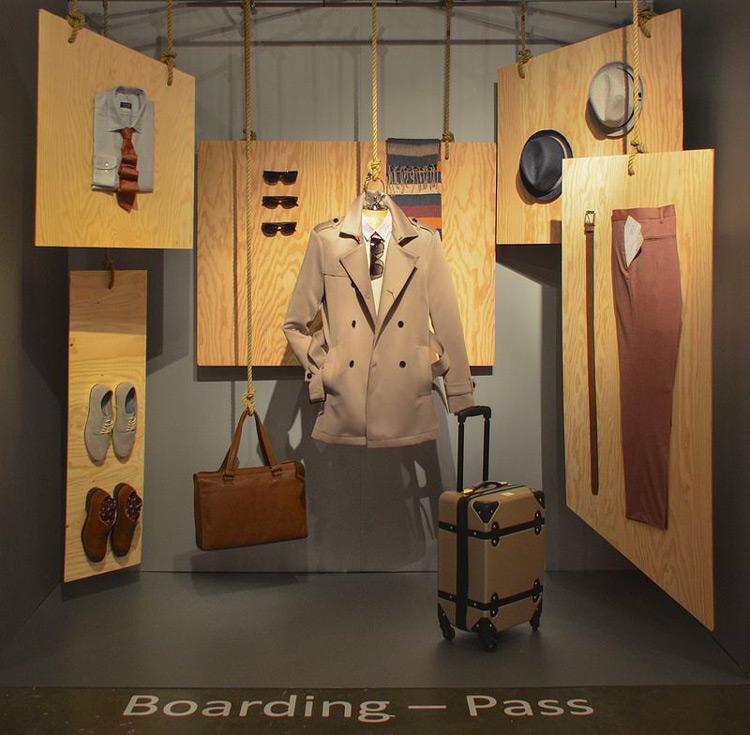 Foto vetrina abbigliamento stile catalogo
